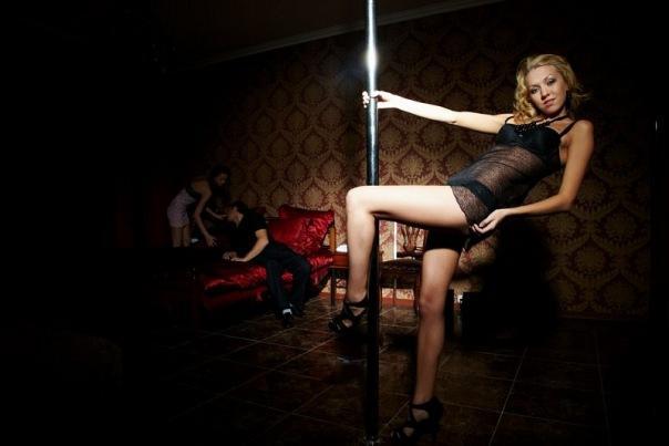 v-tule-erotik-klubi
